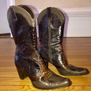 Gorgeous embossed textured Stuart Weitzman boots